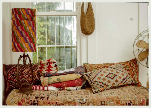 http://anindiansummer.in/2013/08/14/tales-of-textiles/